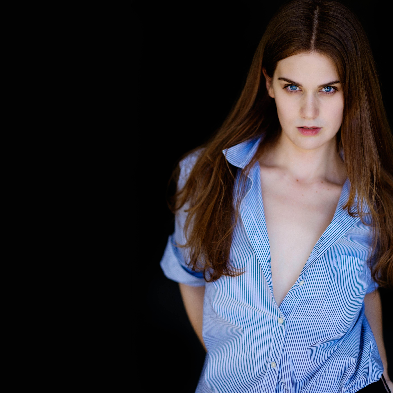 Alexandra Lewis Nude Photos 6